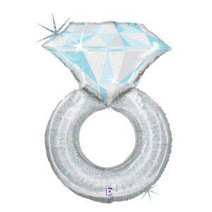 Piękny balon z helem w kształcie srebrnego pierścionka zaręczynowego.